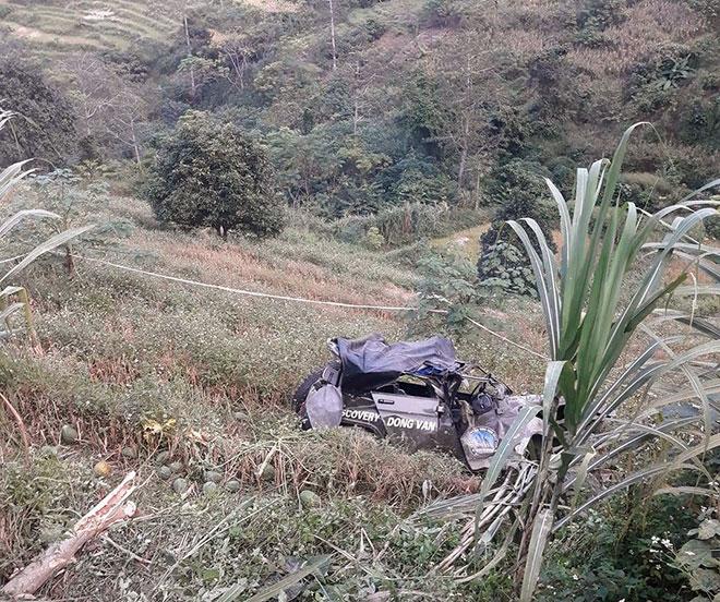 Ô tô lao xuống vực sâu, 3 người tử vong tại chỗ, 4 người bị thương - 1