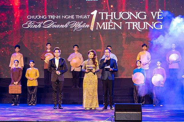 """MC Anh Quân, diễn giả Thi Thảo """"dẫn dắt"""" thành công đêm nhạc, quyên góp gần 4 tỷ đồng - 1"""