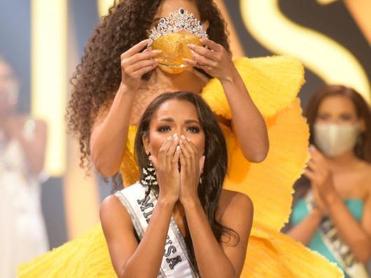 Nhan sắc và đời tư nhiều góc khuất của nữ sinh ngành báo chí đăng quang Hoa hậu Mỹ - 1