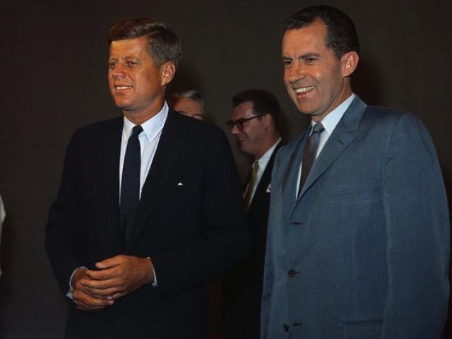 Bầu tổng thống Mỹ: Gay cấn giữa hai ứng viên có số phiếu sít sao nhất thế kỷ 20