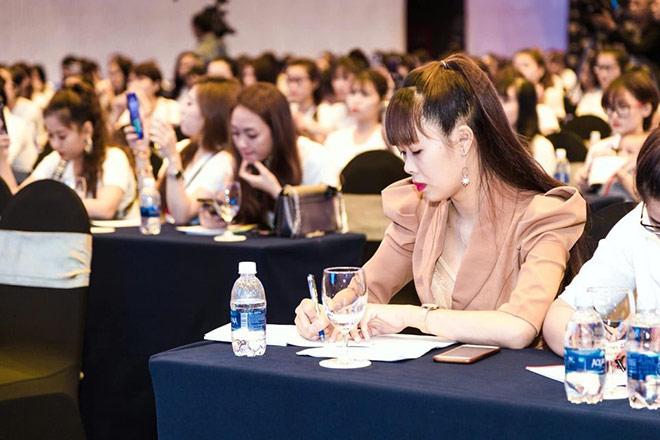 Phạm Huỳnh Hoa Lài: Đam mê nghề viết từ sự ngưỡng mộ - 1