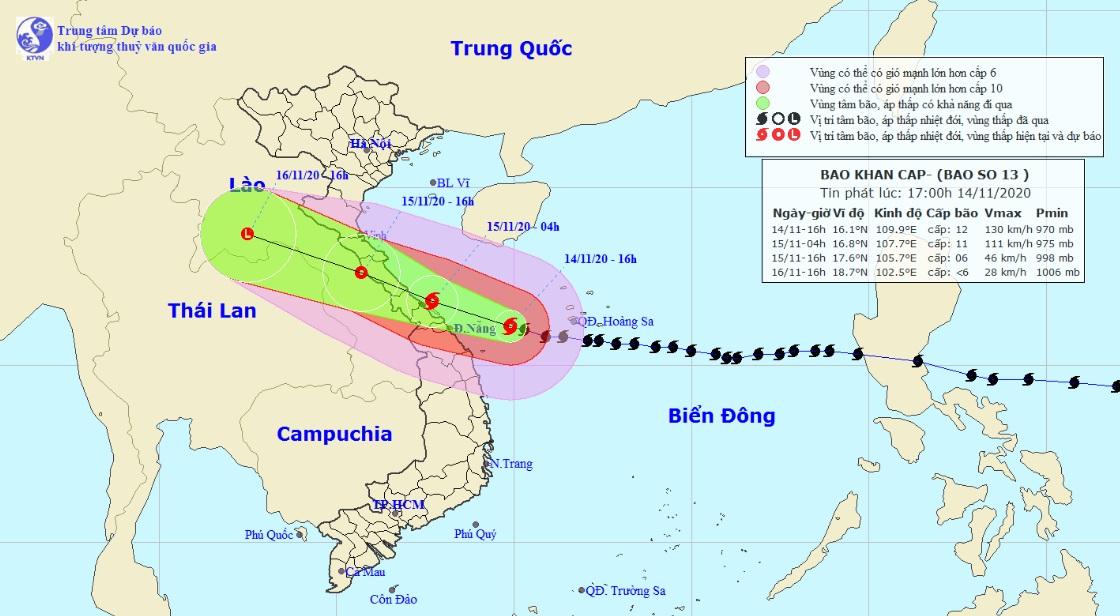 Bão số 13 áp sát đất liền miền Trung, nhiều nơi đang mưa to, gió giật mạnh - 1