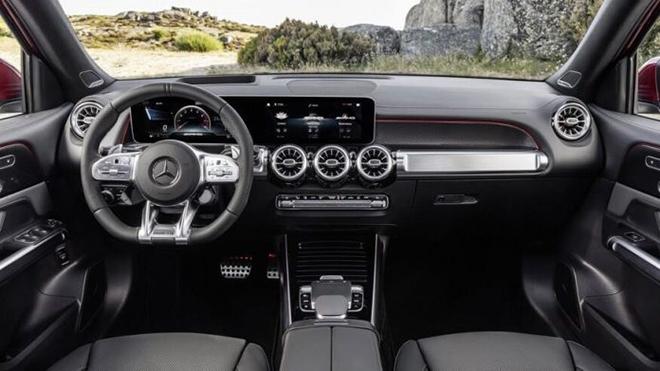 Mercedes-Benz chính thức nhận cọc dòng xe GLB 35 AMG tại Việt Nam - 8