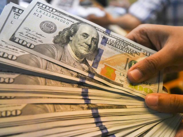 Kinh doanh - Tỷ giá USD hôm nay 15/11: Tâm lý thận trọng của nhà đầu tư đẩy USD lao dốc