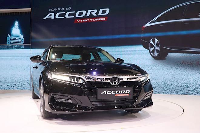 Honda Accord xe số VIN 2019 giảm giá lên đến 150 triệu đồng - 1