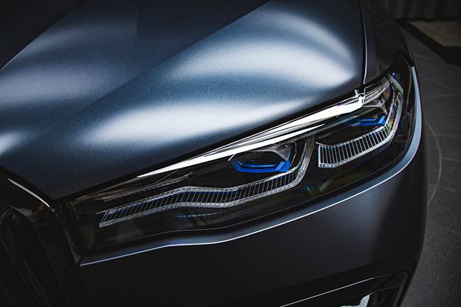 Soi chi tiết BMW X7 phiên bản Dark Shadow 500 chiếc trên toàn cầu - 7