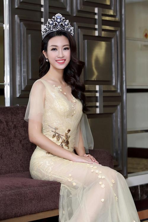 """Bất ngờ với cuộc sống hiện tại của """"Hoa hậu nghèo nhất trong các hoa hậu Việt"""" - 1"""