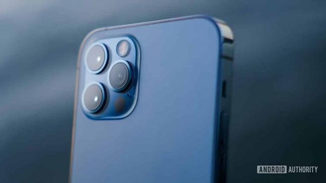 """Khả năng chụp ảnh của iPhone 12 Pro Max: """"Ăn đứt"""" máy ảnh cơ - 1"""