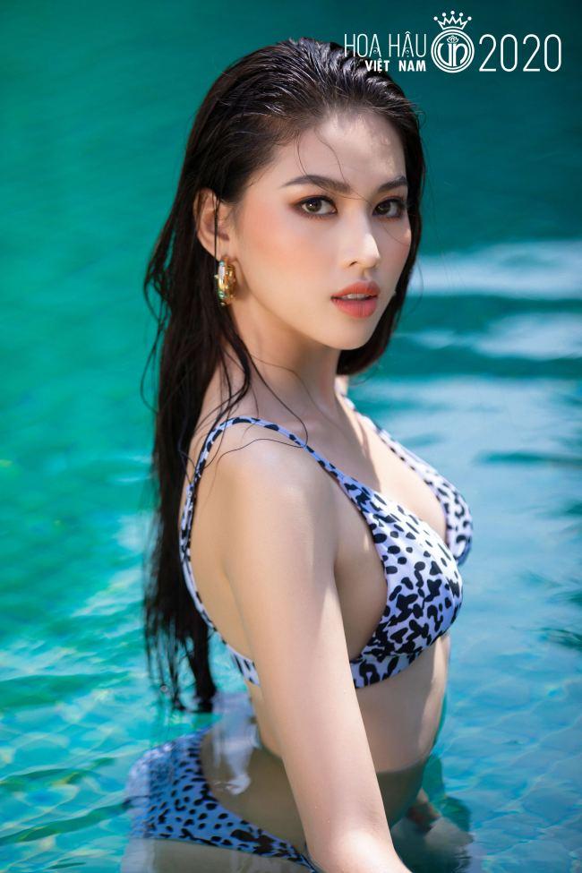 Ngọc Thảo là thí sinh xuất sắc có mặt trong top 5 Người đẹp thời trang và top 5 Người đẹp biển.