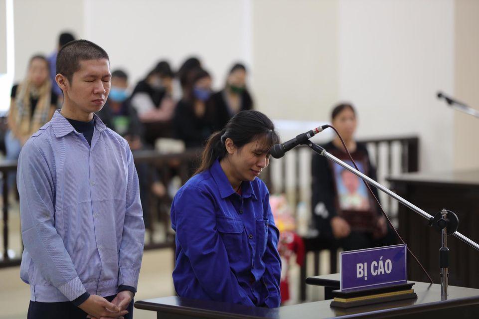 Bé gái 3 tuổi bị bạo hành tử vong: Công bố lời khai của hàng xóm - 1
