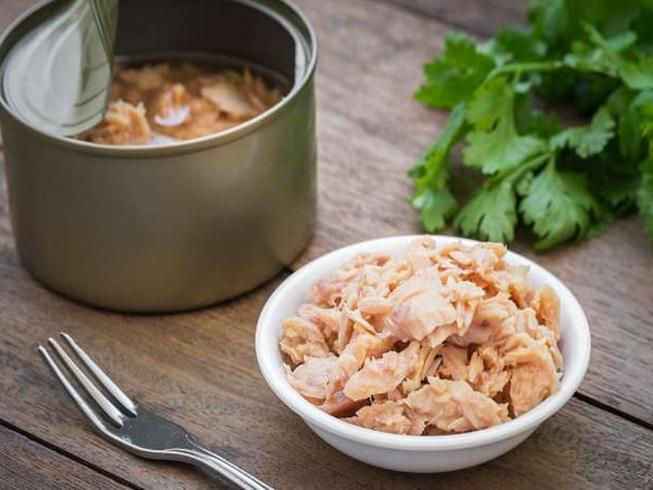 Điều gì xảy ra nếu ăn quá nhiều cá ngừ đóng hộp? - 1