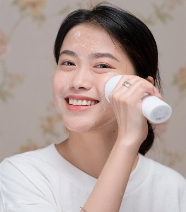 Bí quyết chăm sóc da theo độ tuổi của cựu người mẫu Thúy Hạnh - 1