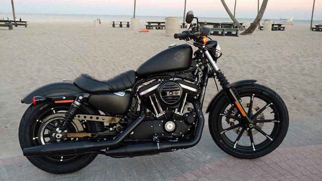 2. Harley-Davidson Iron 883 (giá: 8.999 USD)