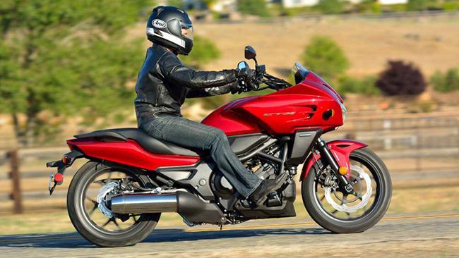 8. Honda CTX700N DCT (giá: 7.699 USD)