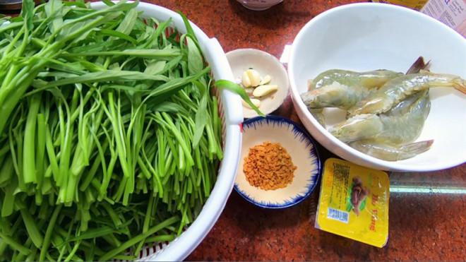 Rau muống nấu tôm cho thêm nắm lá gia vị này, canh thơm, thanh mát cả nhà khen ngon - 1
