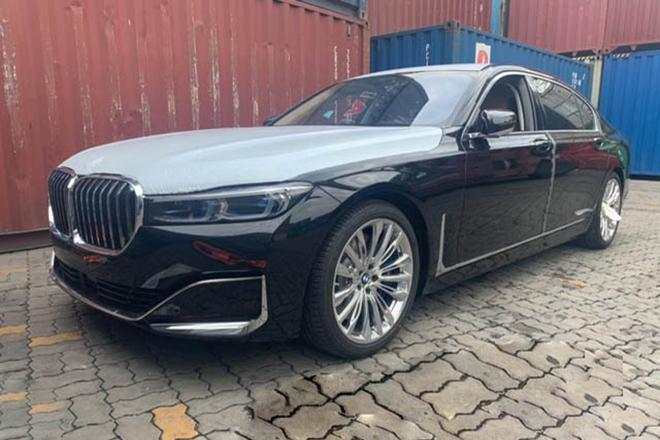 BMW 750Li 2020 phiên bản 4 chỗ cập cảng Việt Nam, giá khoảng 10 tỷ đồng - 1