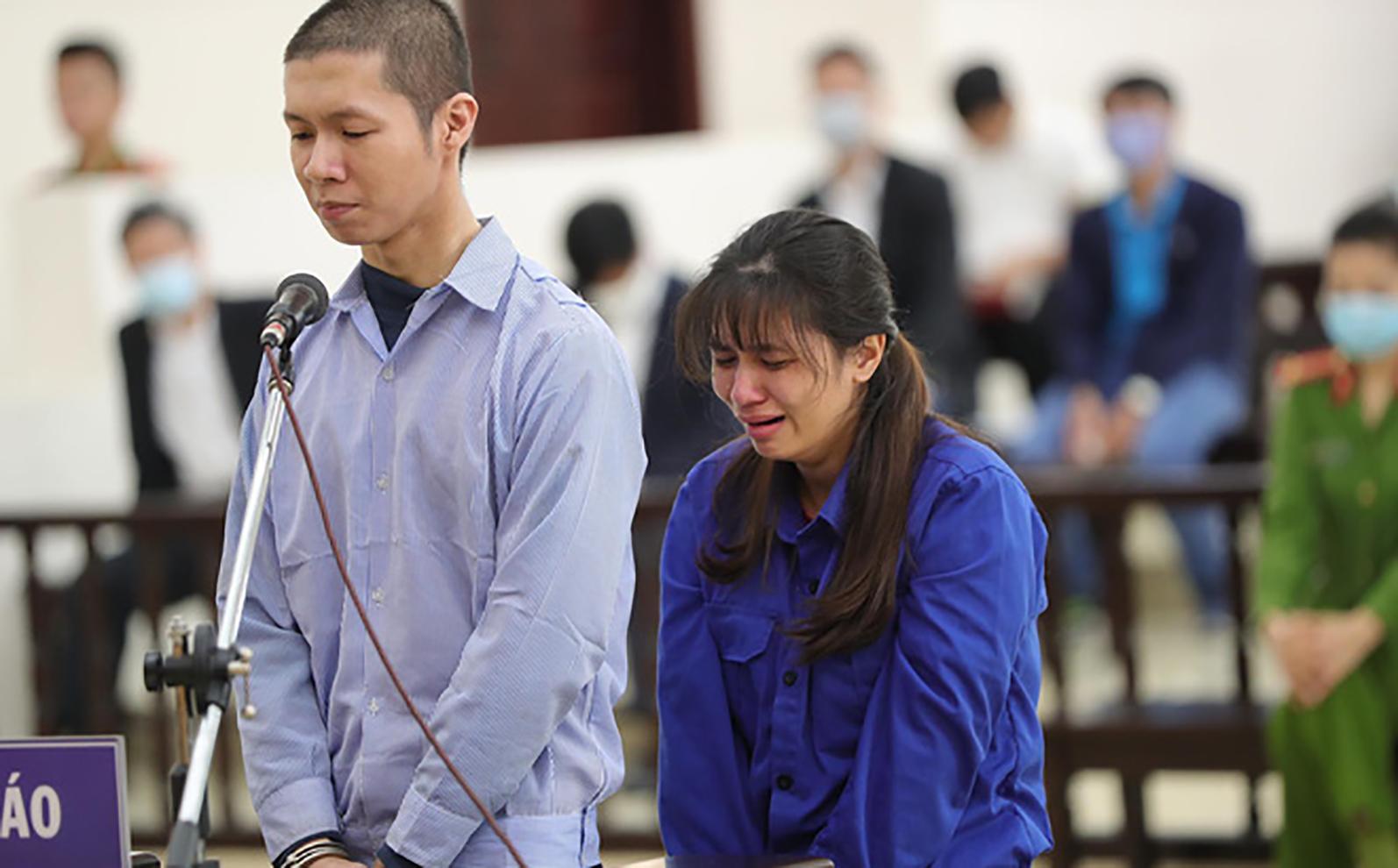 Cha dượng và mẹ đánh chết con gái 3 tuổi: Bước chân lạc lối và phiên tòa đẫm nước mắt - 17