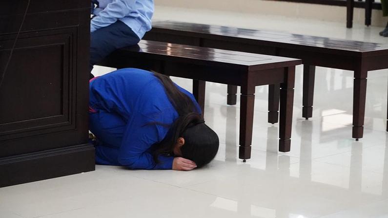 Cha dượng và mẹ đánh chết con gái 3 tuổi: Bước chân lạc lối và phiên tòa đẫm nước mắt - 20