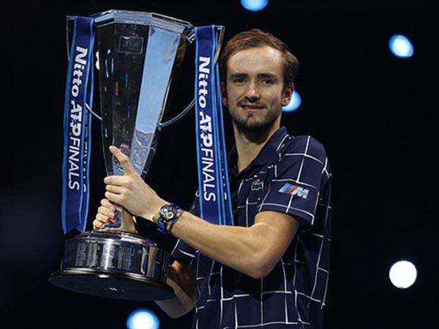 """Thể thao - Medvedev vô địch ATP Finals, 1 tháng thần kỳ """"hủy diệt"""" Top 10 làng tennis"""