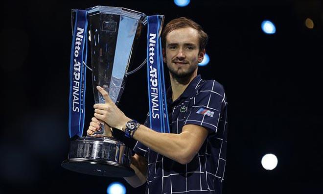 """Medvedev vô địch ATP Finals, 1 tháng thần kỳ """"hủy diệt"""" Top 10 làng tennis - 1"""