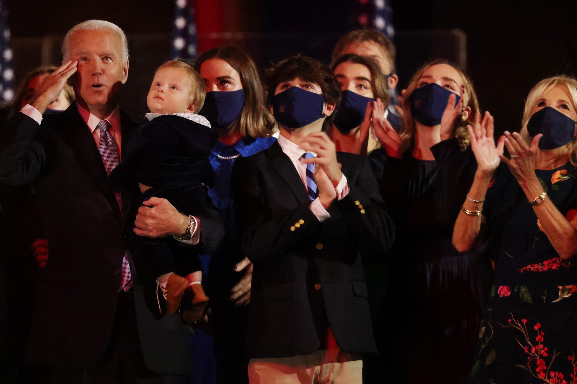 """[eMagazine] Cuộc bầu cử tổng thống """"chưa từng có"""" của nước Mỹ - 15"""