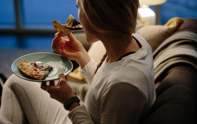 Rất nhiều người thích thói quen ăn uống này nhưng đó lại là con đường dẫn đến bệnh tật nhanh nhất - 1