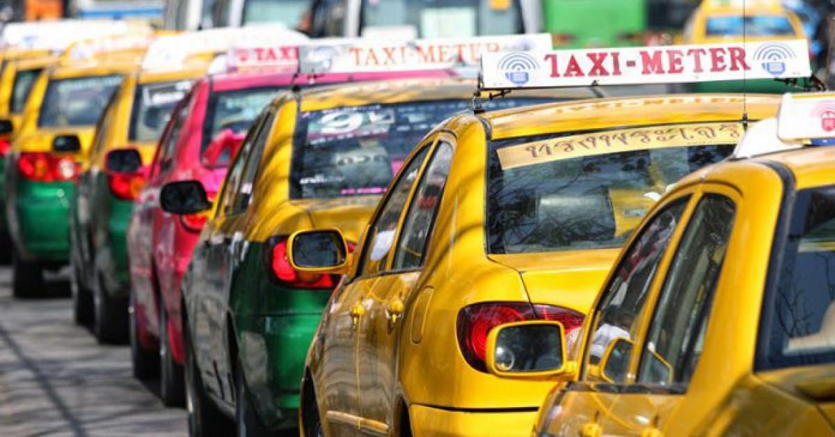 Du lịch - Khách du lịch khi đi taxi ở Bangkok từ nay sẽ phải trả thêm tiền cho cả hành lý