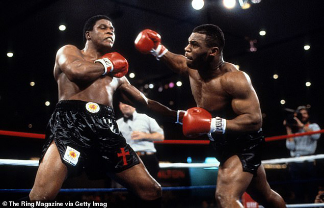 Mike Tyson dính án hiếp dâm, đi tù, cắn tai đối thủ...bị coi thường thế nào? - 1