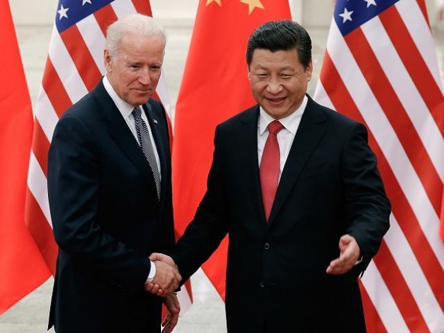 """Ông Trump để lại """"vũ khí"""" lợi hại giúp ông Biden đấu Trung Quốc"""
