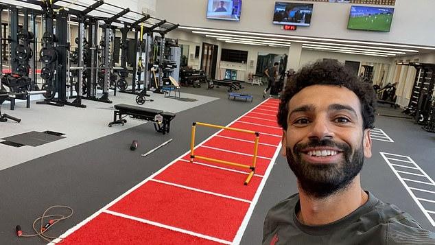 Klopp tiết lộ nóng về Salah, Firmino đá tệ vẫn được khen - 1