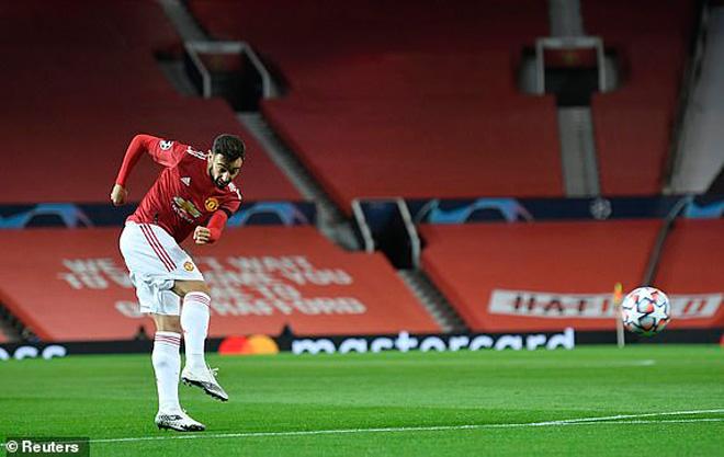 MU - Istanbul: Siêu phẩm Bruno Fernandes, 5 bàn mãn nhãn (Kết quả bóng đá Cúp C1) - 1