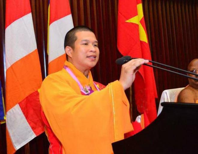 Khởi tố, bắt tạm giam nguyên trụ trì chùa Phước Quang vì lừa đảo - 1