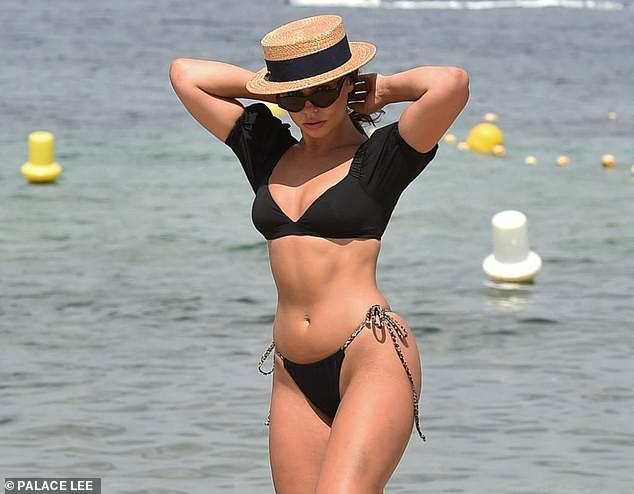 Francesca Allen khiến fan 'loạn nhịp' bởi quá sắc vóc quá hoàn hảo, nóng bỏng với bikini - 7