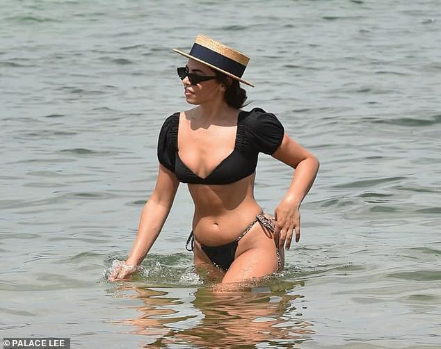 Francesca Allen khiến fan 'loạn nhịp' bởi quá sắc vóc quá hoàn hảo, nóng bỏng với bikini - 3