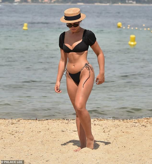 Francesca Allen khiến fan 'loạn nhịp' bởi quá sắc vóc quá hoàn hảo, nóng bỏng với bikini - 2