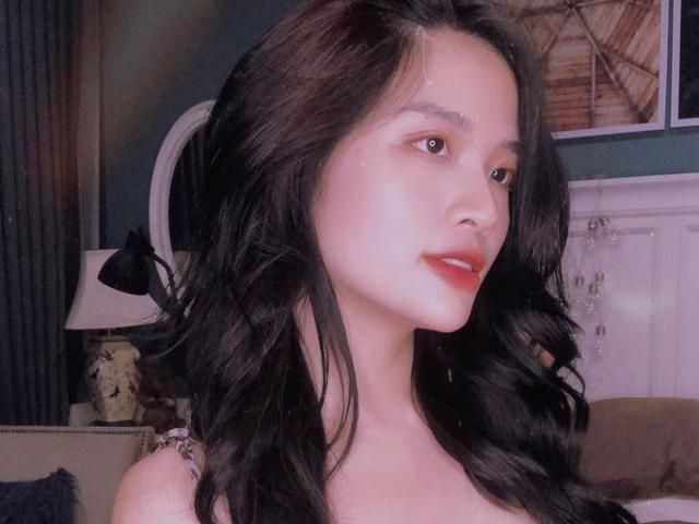 """Đời sống Showbiz - Hoa hậu Việt bị ví như """"ngôi sao phim nóng nổi danh khắp châu Á"""" là ai?"""