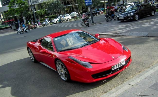 Mẫu xe Ferrari 458 này lần đầu tiên được ra mắt tại triển lãm ôtô Frankfurt năm 2009. Được đưa về Việt Nam vào năm 2011 nhưng đến tận năm 2015, Phan Thành mới chính thức bỏ ra tổng cộng 15 tỷ để sở hữu chiếc xe này. Năm 2016, Phan Thành đã rao bán nó.