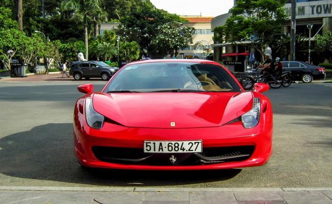 Mô-men xoắn đạt 80% ở dải tua máy 3.250 vòng/phút. Nhờ vậy, xe có thể tăng tốc 0-100km/h trong 2,9 giây. Tốc độ tối đa mà Ferrari 458 đạt được là 340km/h. Chiếc siêu xe này quả thực là mơ ước của nhiều người yêu xe.