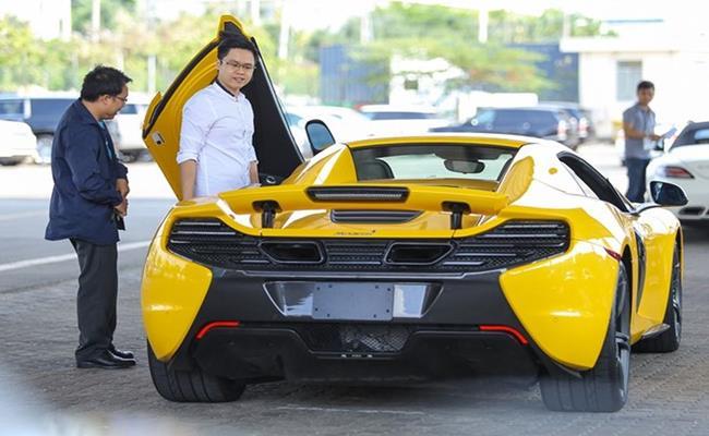 Chiếc xe McLaren 650S Spider này được thiếu gia Sài Gòn mang về năm 2016. Tại thời điểm đó, sau khi được đăng ký biển số, tổng chi phí mà Phan Thành phải chi ra để sở hữu siêu xe này ước tính lên đến 19 tỷ đồng.