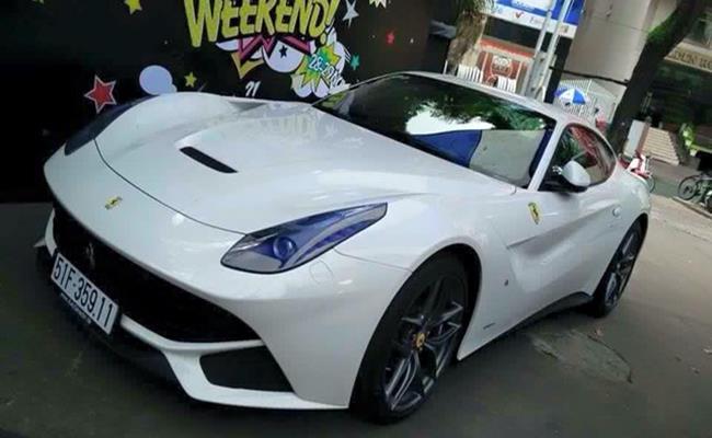 Cuối tháng 6/2015, gia đình thiếu gia Phan Thành từng chi 21 tỷ đồng để mua 1 chiếc siêu xe Ferrari F12 Berlinetta.