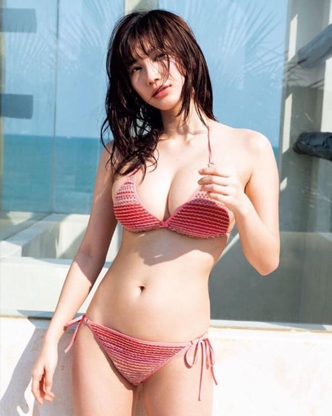 Thiên thần áo tắm bị tuột bikini tuyên bố dừng chụp ảnh sexy ở tuổi 21 lại gây sốc - 1