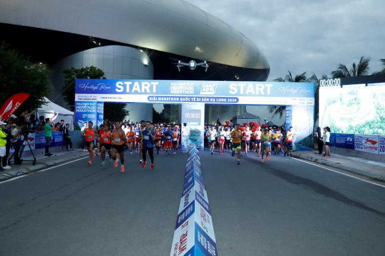 """Giải Marathon quốc tế Di sản Vịnh Hạ Long 2020  – """"Đẹp"""" cả  văn hóa lẫn thiên nhiên - 1"""