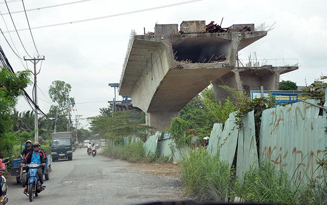 """""""Điểm mặt"""" những cây cầu trăm tỷ """"đứng hình"""" ở Sài Gòn - 8"""