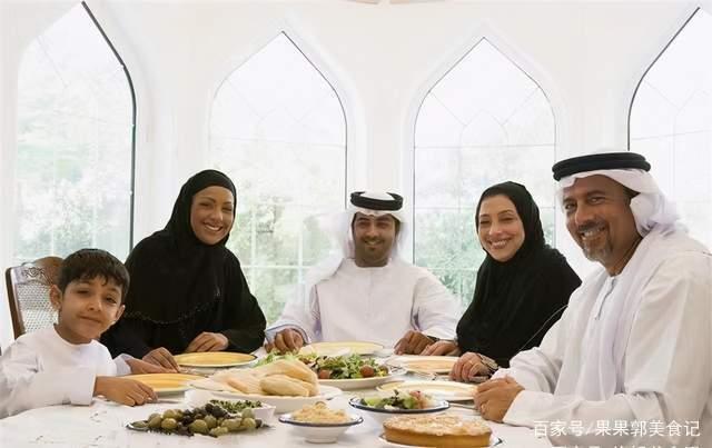 Nhà giàu Dubai ăn gì trong 3 bữa cơm hàng ngày? - 1