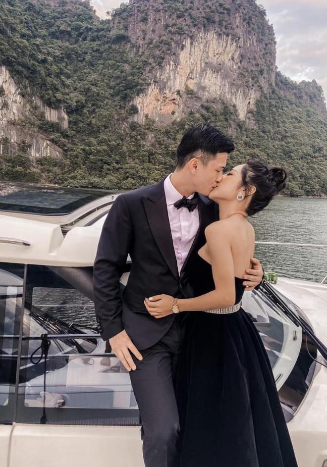 Nhan sắc nóng bỏng và điều ít biết về MC VTV vừa công khai hẹn hò Huỳnh Anh - 1