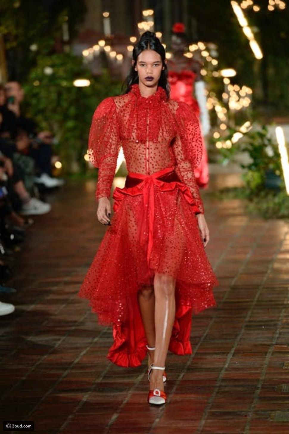 10 chiếc váy mang tính cảm hứng trên sàn diễn Thu Đông - 6