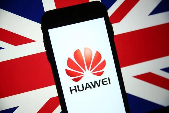 Cấm lắp đặt thiết bị 5G của Huawei từ tháng 9-2021 tại Anh - 1