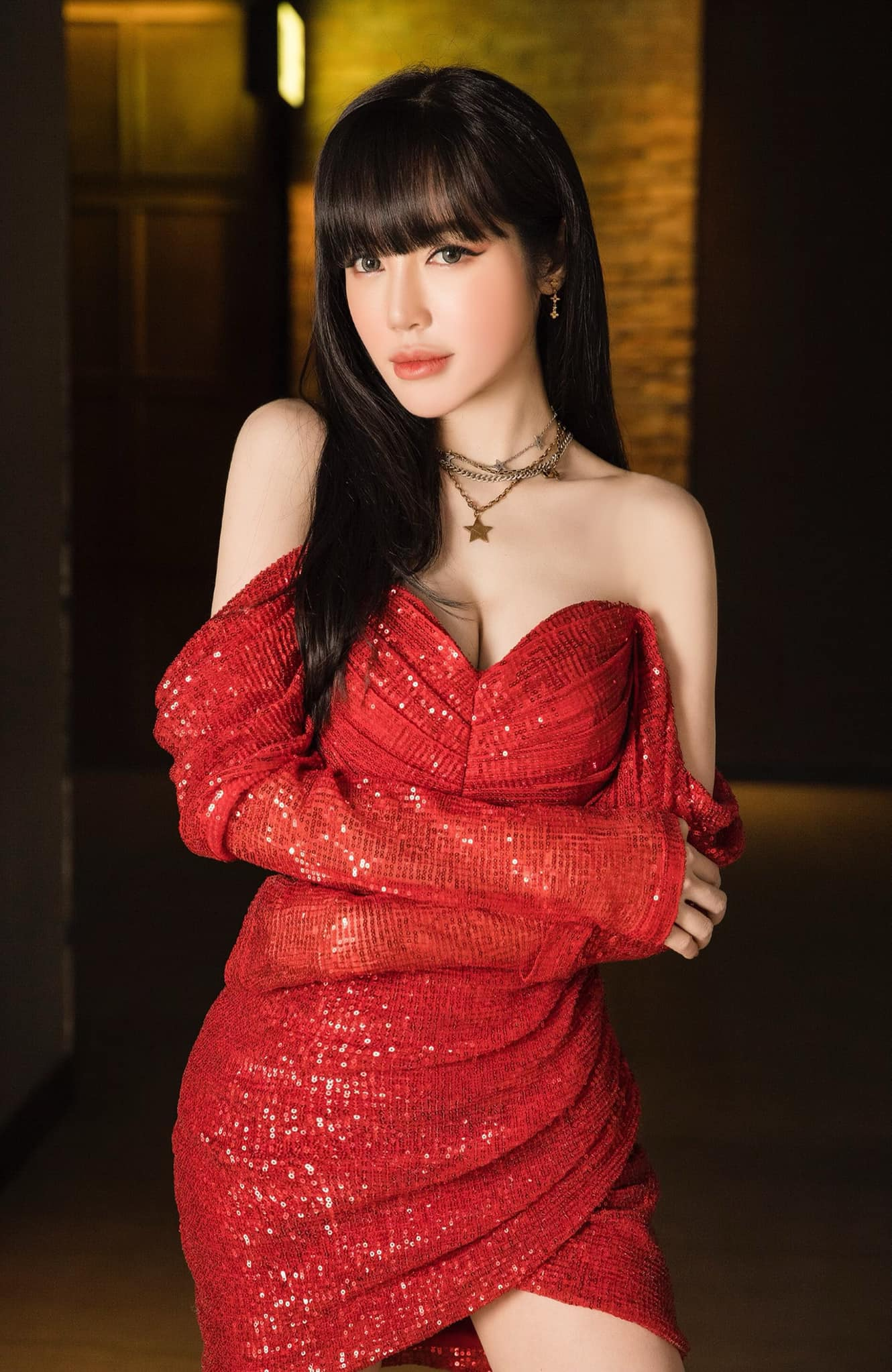 Elly Trần lấn át toàn bộ dàn khách mời với váy cúp ngực gây thót tim tôn vòng 1 đầy - 12