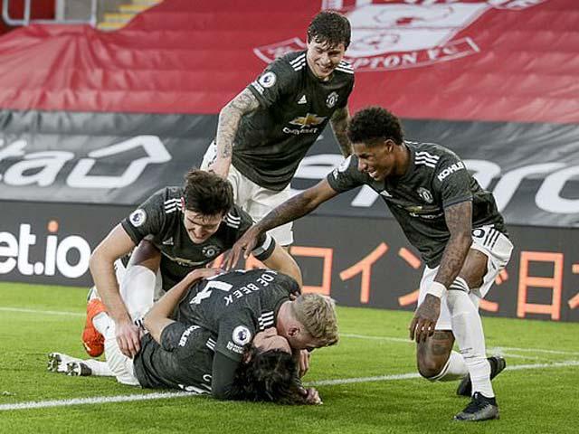 """MU bị """"châm biếm"""": Thắng một trận mà như vô địch Ngoại hạng Anh - 1"""