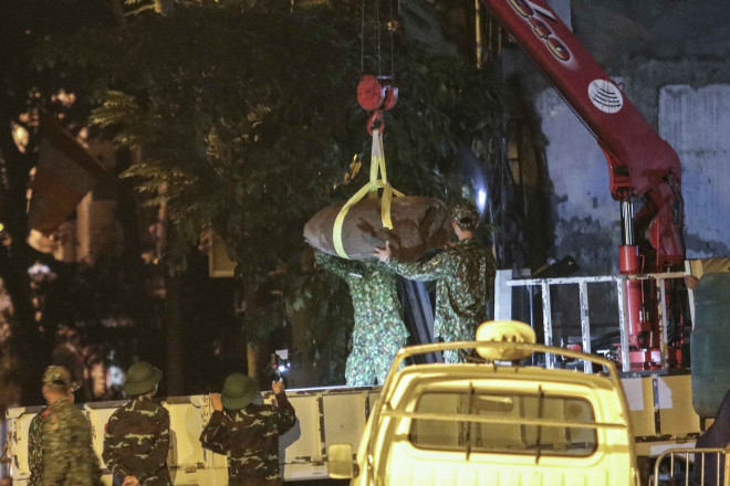 """Quả bom """"khủng"""" tại phố Cửa Bắc đã được hủy nổ an toàn - 1"""